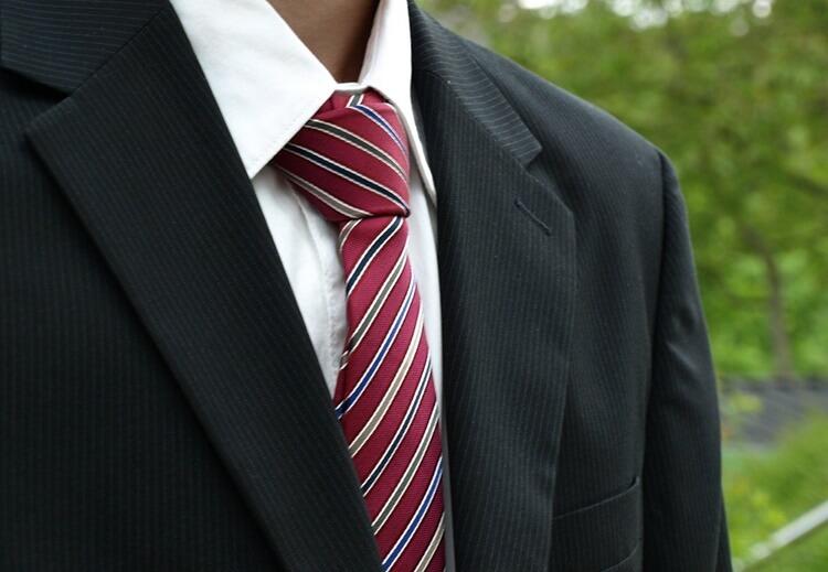 ビジネスプロフィール写真に向いているネクタイとは?NGな色柄もプロが解説3