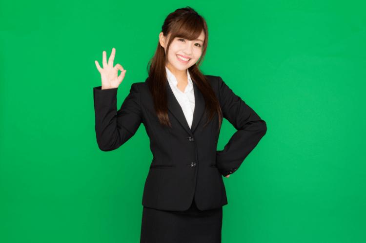 【プロが解説】ビジネスプロフィール写真で女性にふさわしい服装を解説