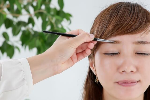 ビジプロ写真の眉メイクはどうする?眉メイクのコツとアイテムの選び方を紹介4