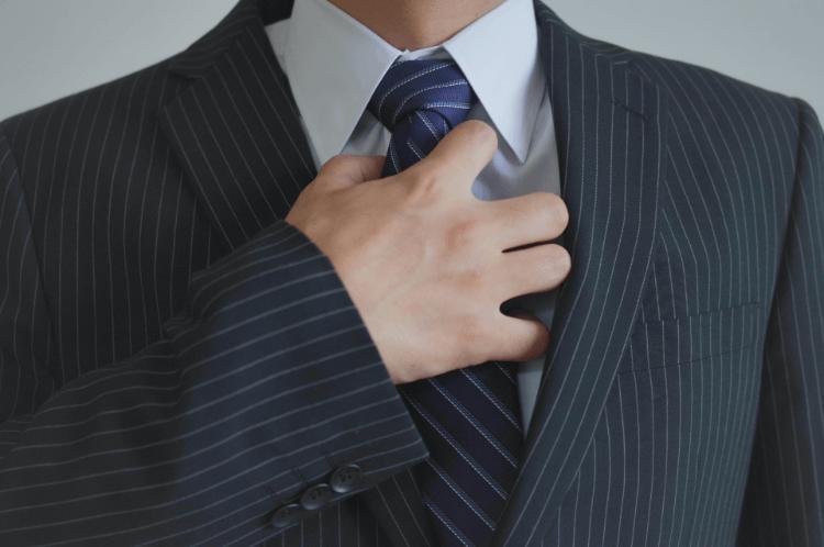 プロカメラマンがビジネスプロフィール写真で男性が着るおすすめのシャツを解説1