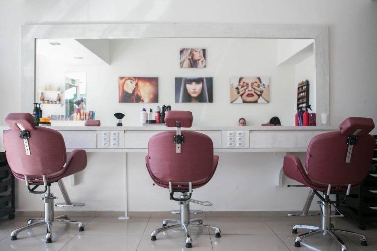 ビジプロ写真の髪型はどうする?できる女に見せる髪型とセットポイントを紹介2