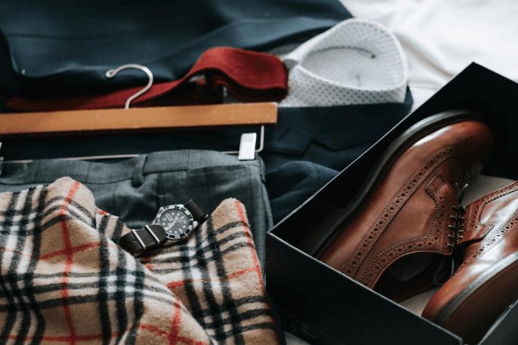 男性のビジネスプロフィール写真に着るスーツの選び方やおすすめを紹介5