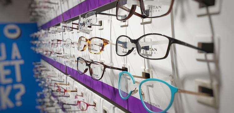 ビジネスプロフィール写真に適した眼鏡の選び方や注意点を解説4