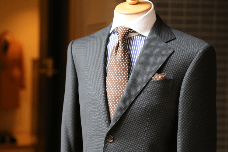 男性はビジネスプロフィール写真の服装が重要!おすすめコーデを紹介3