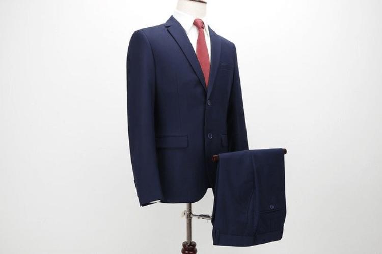 男性はビジネスプロフィール写真の服装が重要!おすすめコーデを紹介